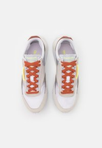 Reebok Classic - CL LEGACY - Sneakers basse - footwear white/lumlil/sansto - 5