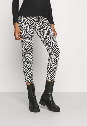 MLFLAME PANTS BUMPBAND - Kalhoty - white