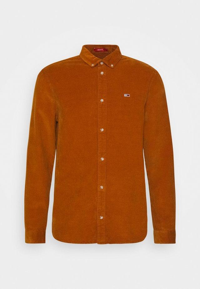 Shirt - burned caramel