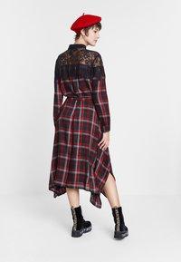 Desigual - SEATTLE - Shirt dress - black/red - 2