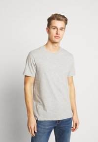 Burton Menswear London - 5 PACK - T-shirt - bas - white - 3