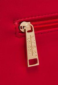 LYDC London - HANDBAG - Shoppingveske - red - 3