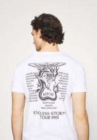 Replay - Print T-shirt - white - 3