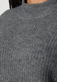 ONLY Petite - ONLKARINNA HIGHNECK - Jumper - medium grey melange - 4