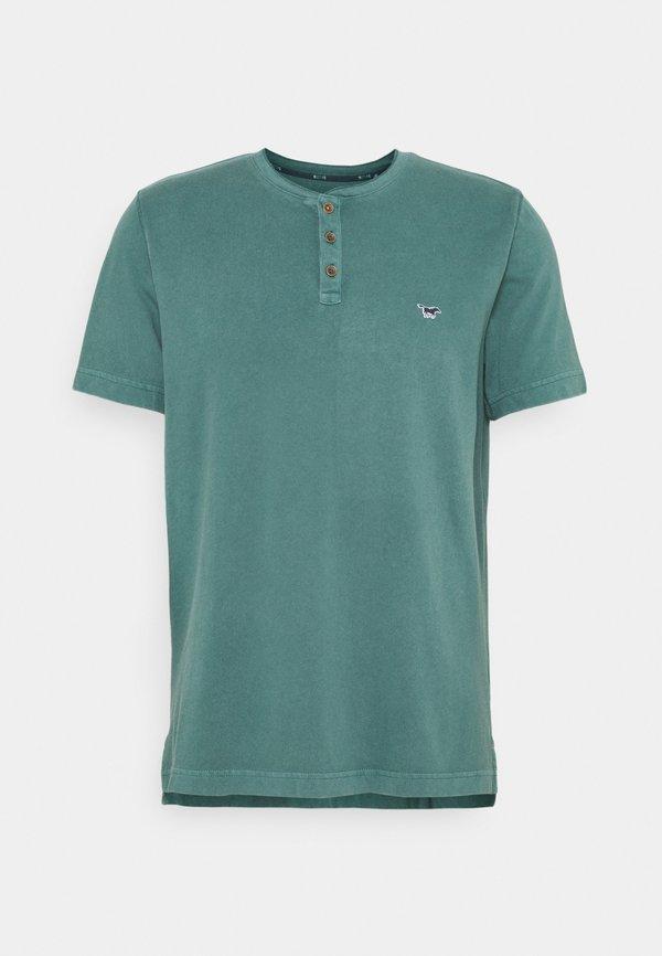 Mustang ALEX HENLEY - T-shirt z nadrukiem - mallard green/zielony Odzież Męska RCXB