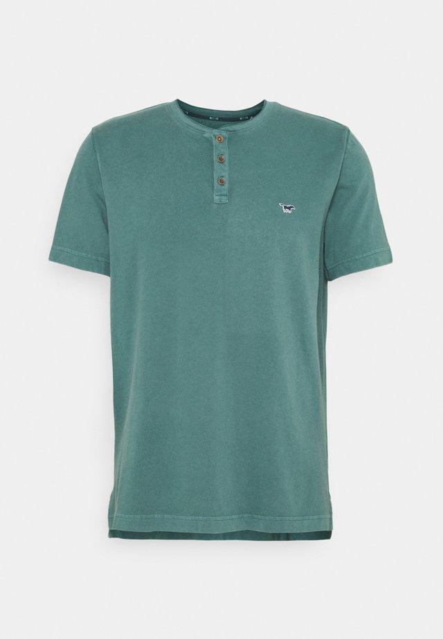 ALEX HENLEY - T-shirt imprimé - mallard green