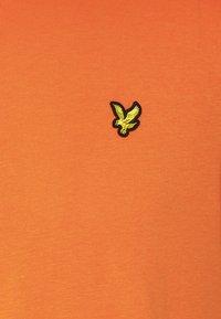 Lyle & Scott - T-shirt - bas - risk orange - 2