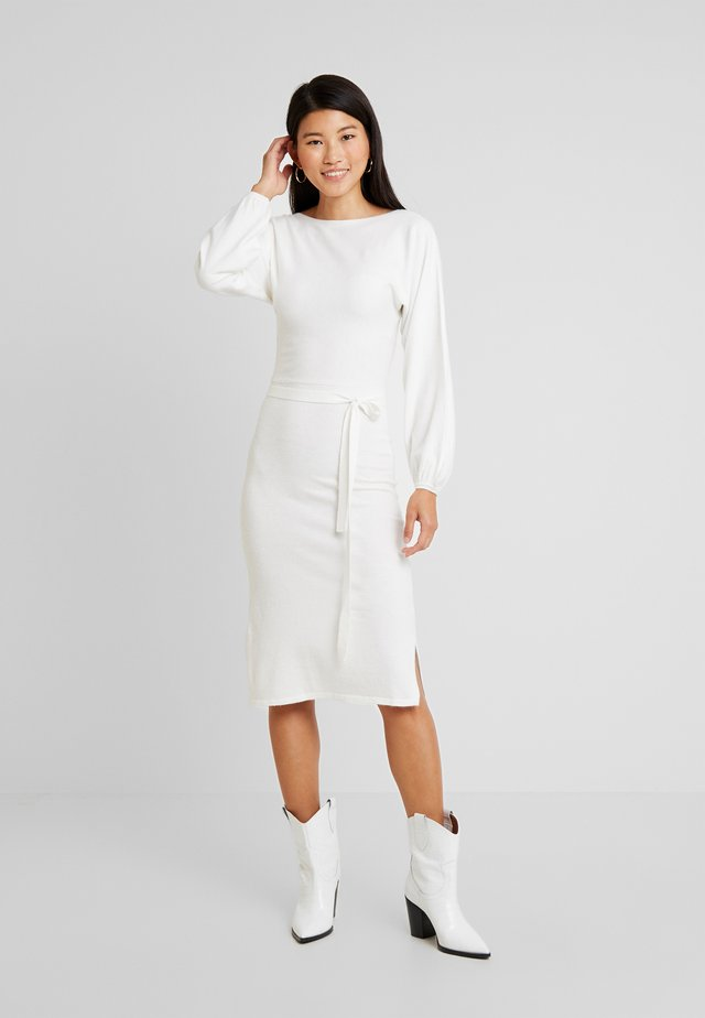 BATWING BELTED FULL SLEEVE DRESS - Jumper dress - cream