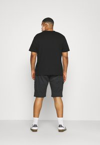 INDICODE JEANS - ATHLONE PLUS - Shorts - black - 2