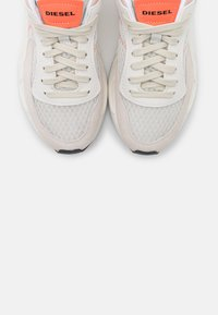 Diesel - SERENDIPITY S-SERENDIPITY LOW W - Trainers - white/peach - 5