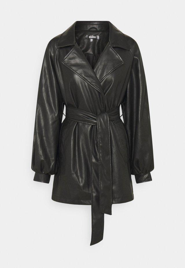 BELTED BALLOON SLEEVE JACKET - Krátký kabát - black