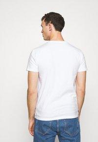 Superdry - CLASSIC TEE - Basic T-shirt - optic - 2