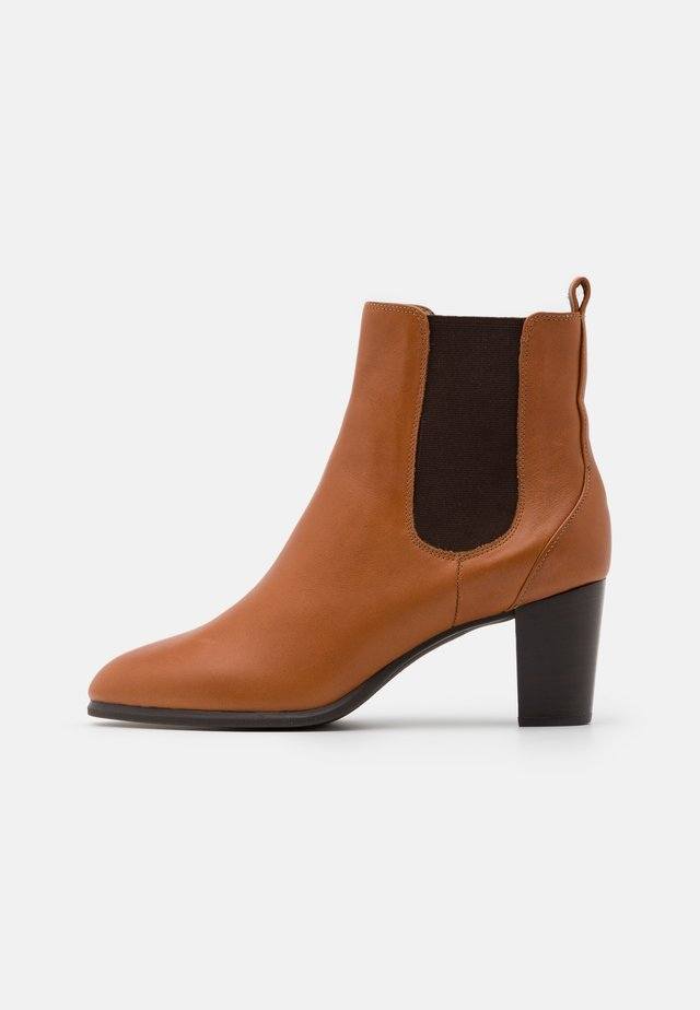 MISTER - Botines bajos - tanned