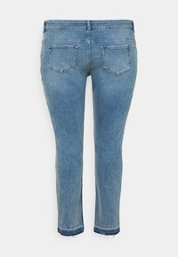 Zizzi - JCLARA EMILY JEANS - Jeans Skinny Fit - blue denim - 6