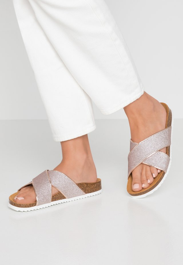 HOXTON  - Slippers - rose gold