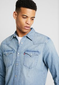Levi's® - BARSTOW WESTERN STANDARD - Shirt - red cast stone - 4