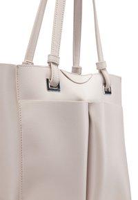 usha - WHITE LABEL - Handbag - light grey - 5