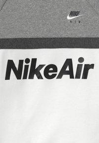 Nike Sportswear - CREW - Sweatshirt - grey heather/white/charcoal heather - 3