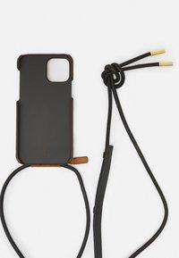 MCM - VISETOS ORIGINAL SMART PHONE CASE - Phone case - cognac - 3