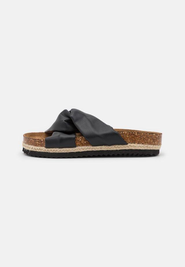 ONLMIRA KNOTTED FLATFORM  - Pantofle - black