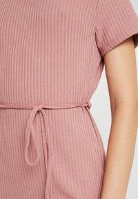 Topshop - CHUCK ON CUT AND SEW - Jumper dress - blush - 6