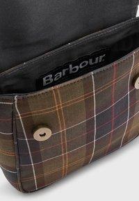 Barbour - CALAN TOTE - Across body bag - classic tartan - 2