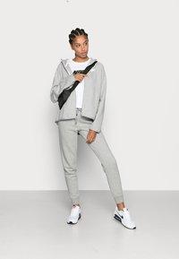 Nike Sportswear - Bluza rozpinana - grey heather/white - 1