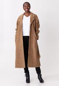 Indiska - Classic coat - camel - 0