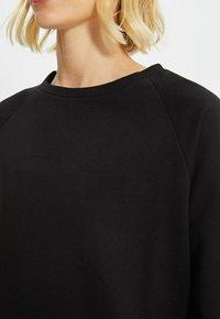 Trendyol - Sweatshirt - black - 4