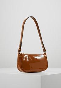 Becksöndergaard - MONI BAG - Handbag - tapenade - 3