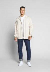 Tommy Jeans - SHORTSLEEVE SHIRT - Chemise - white - 1