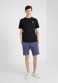 Paul Smith - Basic T-shirt - black - 1