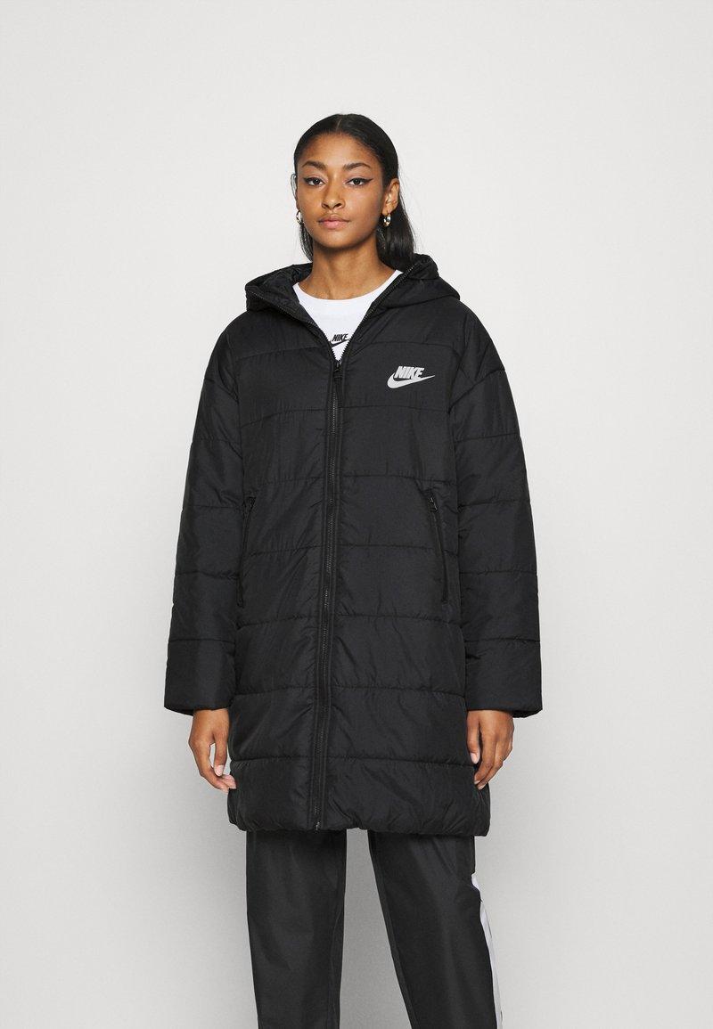 Nike Sportswear - CORE - Vinterkappa /-rock - black/white