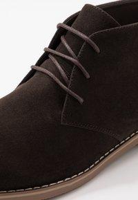Pier One - Šněrovací boty - brown - 5