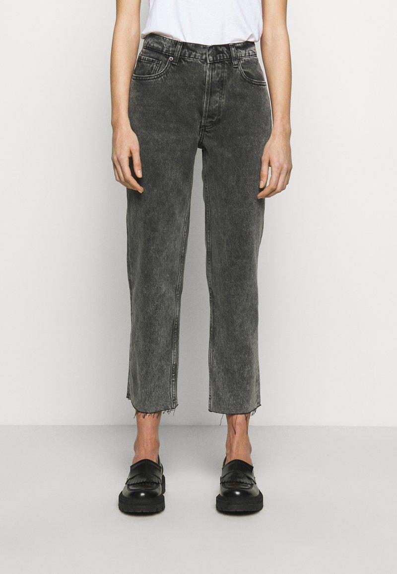 Boyish - TOMMY - Jeans a sigaretta - toxic avenger