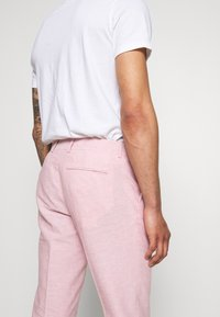 Isaac Dewhirst - PLAIN WEDDING - Suit - pink - 7