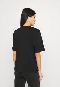 Stylein - JENNA - Jednoduché triko - black - 2