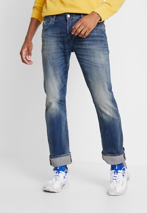 NEW JIMI - Bootcut jeans - medium blue
