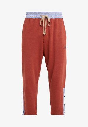 TRACKSUIT PANT - Pantaloni sportivi - brick
