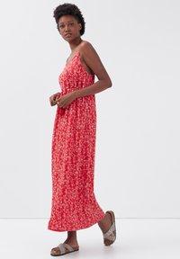 BONOBO Jeans - Maxi dress - rouge clair - 1