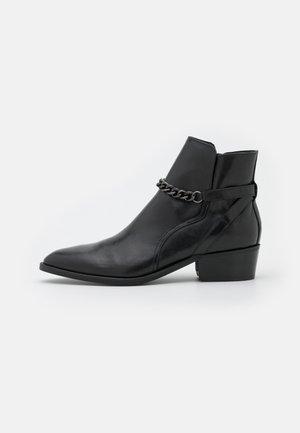 CAMPERO - Stivaletti - black