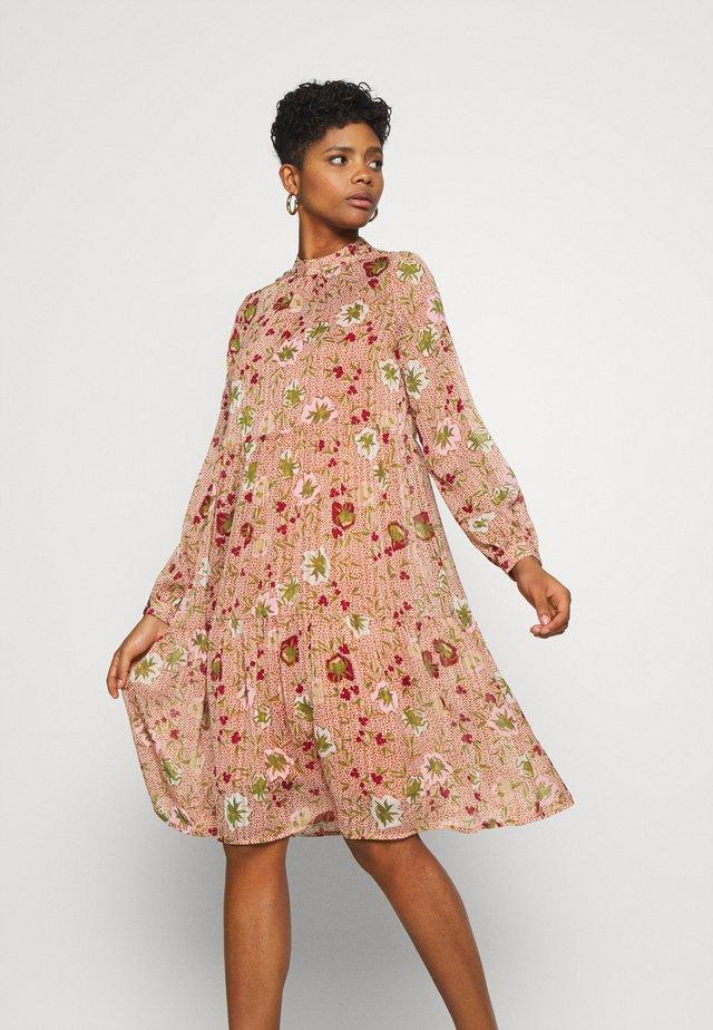 VMCILLE DRESS  - Day dress - auburn/cille