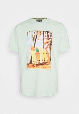 O NECK TEE - Print T-shirt - mint
