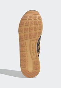 adidas Originals - ZX 500 UNISEX - Tenisky - crew navy mesa brown - 4