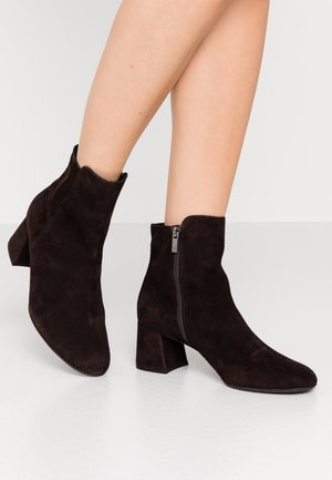 BETTY - Classic ankle boots - nuba