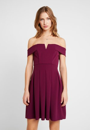 OFF THE SOULDER SKATER DRESS - Cocktail dress / Party dress - plum