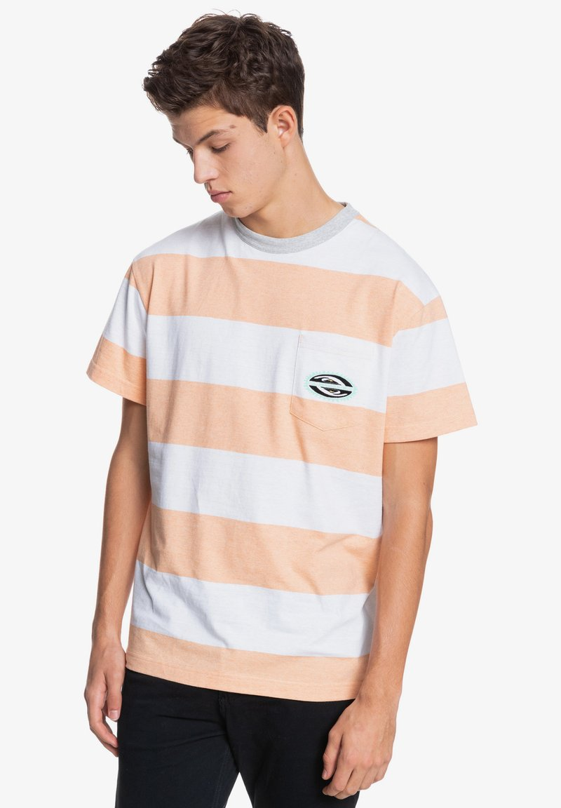 Quiksilver - Print T-shirt - apricot full charge