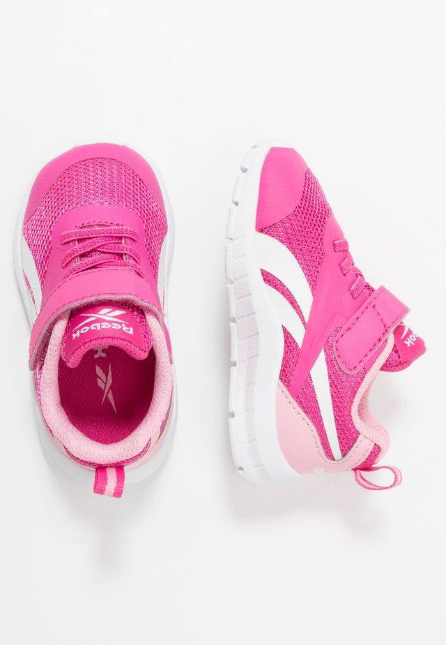 RUSH RUNNER 3.0 - Obuwie do biegania treningowe - pink/light pink/white