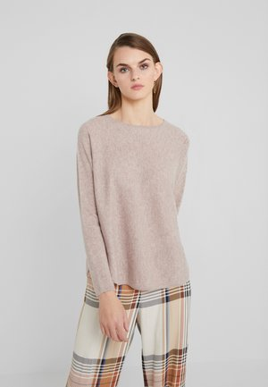 CURVED SWEATER - Jumper - sand