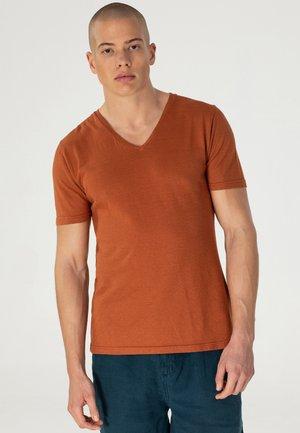 PRIMO - T-shirt basic - burned sienna